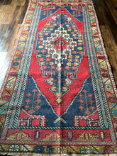 Load image into Gallery viewer, Lynn - 4.2' x 9' Vintage Turkish Oushak Area Rug