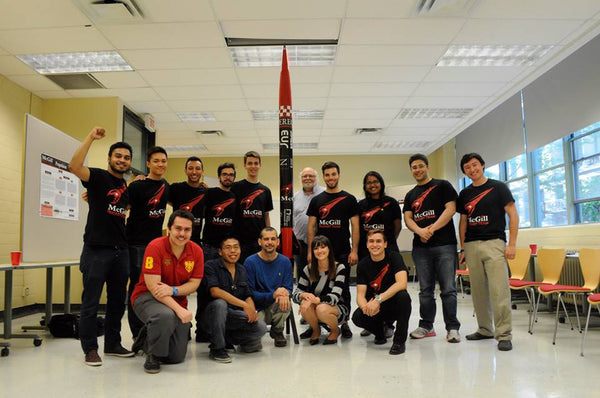 McGill Rocket Team and Their Payload - L'équipe de fusillade de McGill et leur charge utile