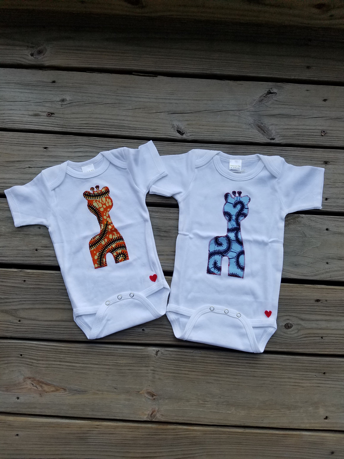 Majestic Giraffe Appliqué Bodysuit (Blue)