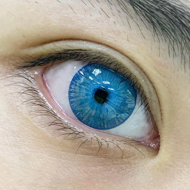 Contact lenses for blue eyes (12 months)
