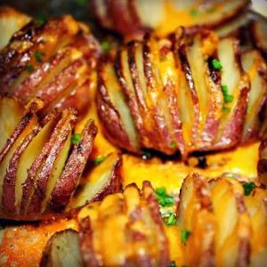 Roasted Hasselback Potatoes With Garlic Infused Olive Oil - EVOO & Vin