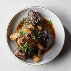 Slow Cooker Balsamic Short Ribs