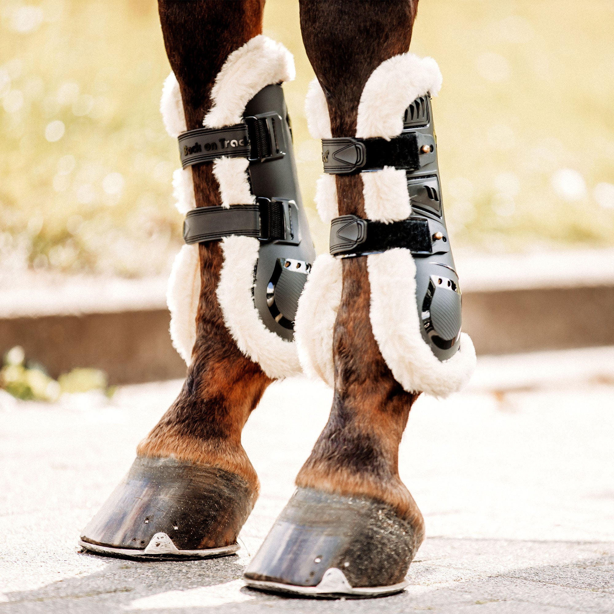 Air Flow Tendon Boots mit Kunstfell