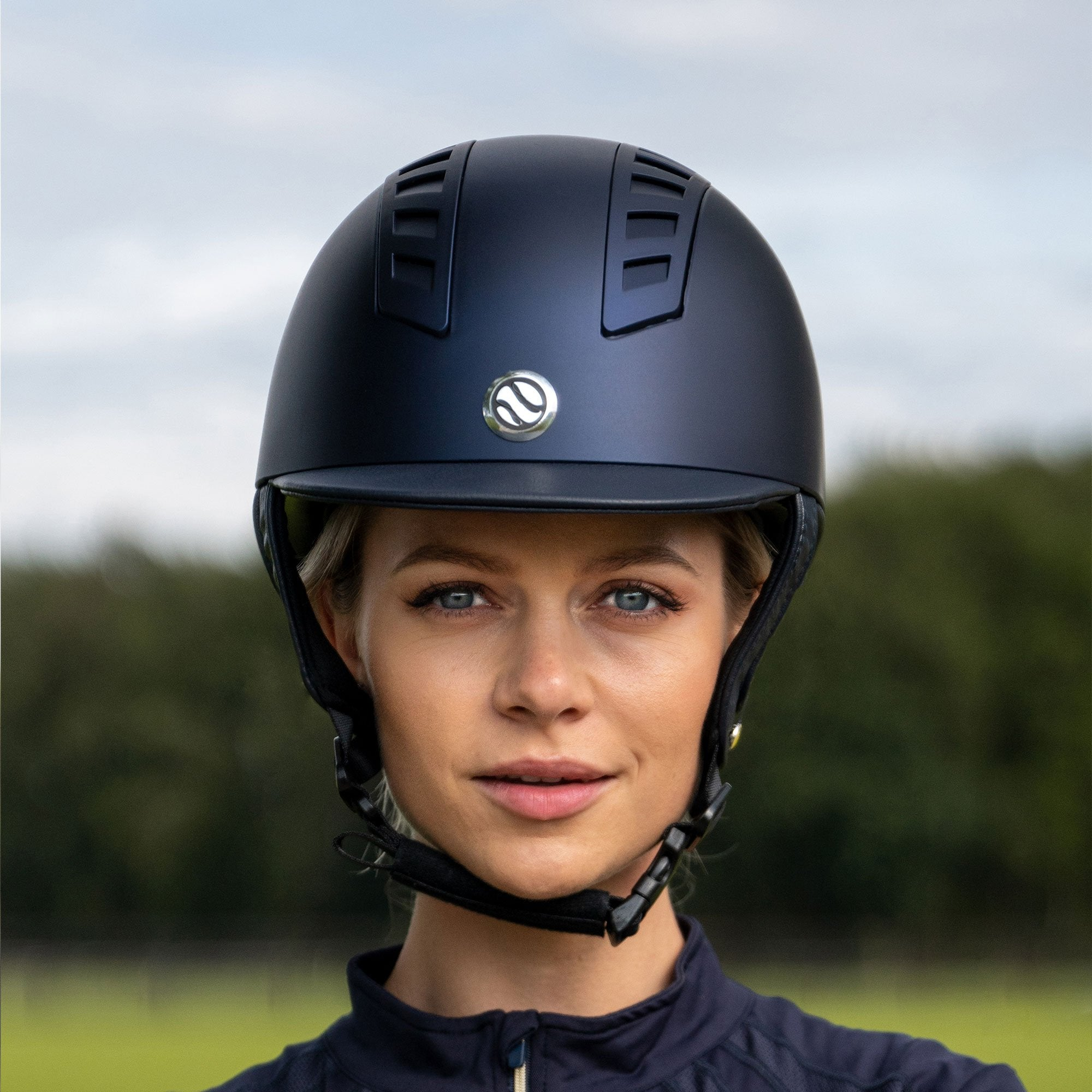 EQ3 Rijhelm Smooth Shell Blauw (5300223344795)