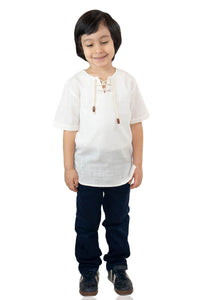 Boy's Lace-up Collar Cream T-shirt