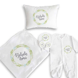 Baby's Personalized White Newborn Set