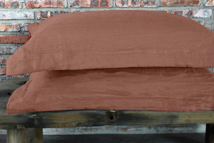 Pair of Flanged Linen Pillowcases in Standard Size