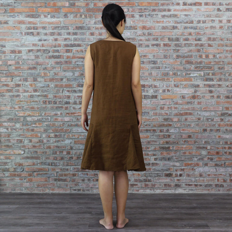 Detail Back of Pleated Low Waist Linen Dress Earth