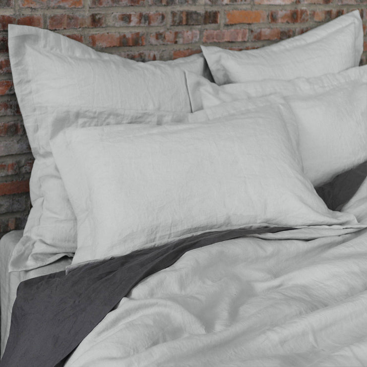 Flanged Linen Pillowcases pair