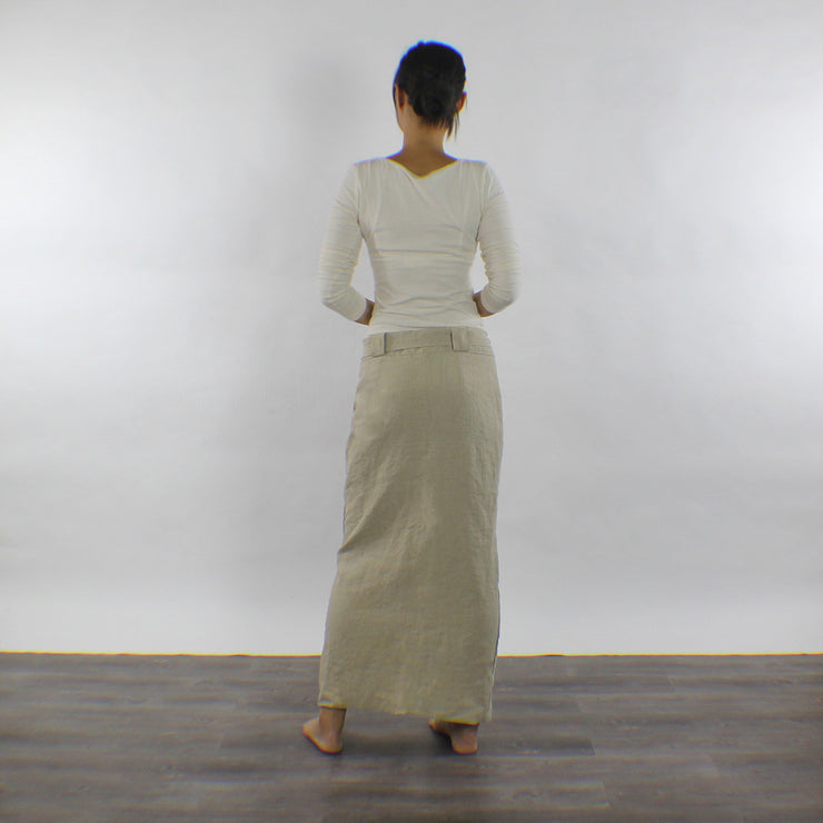 Back Detail Of Hip Of The Skirt - Linenshed