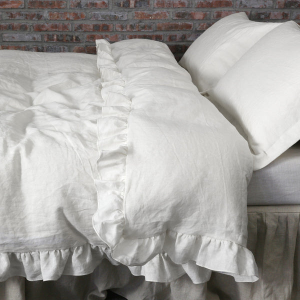 Duvet Cover With Ruffled Border in Chalk