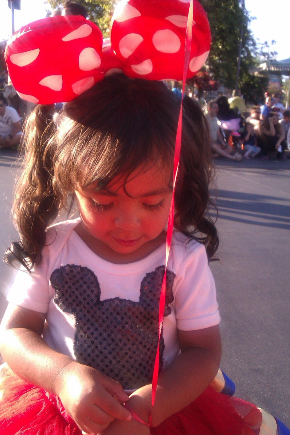 Minnie Mouse light up polk a dot bow