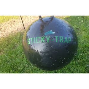 Sticky trap flytrap ball with horseflies
