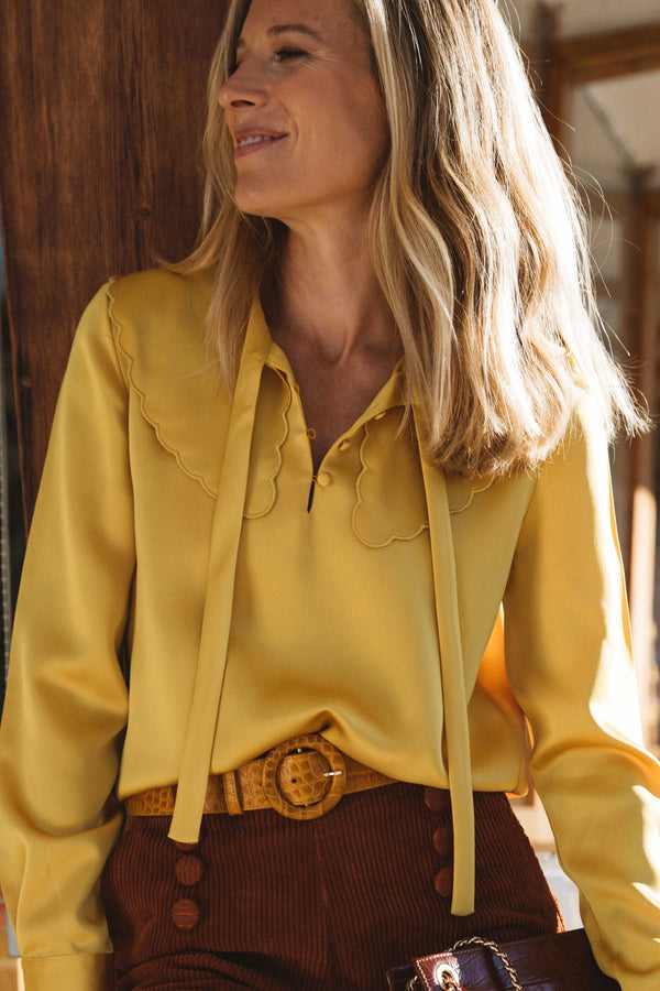 blouse-astree-col-lavalliere-jaune-gold