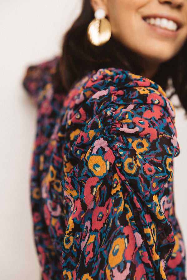 darla-flower-of-dreams-print-blouse