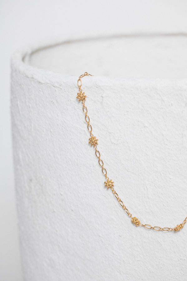 flora-golden-necklace