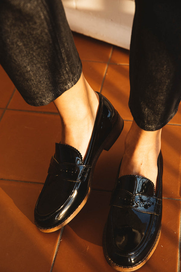 black-comedie-loafers
