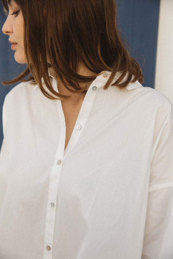 robe-chemise-voguer-blanc-bouton-nacre-manches-plis-fronce