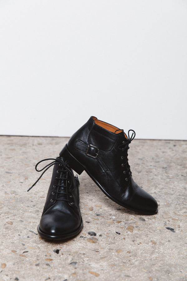jehanne-boots-black-leather