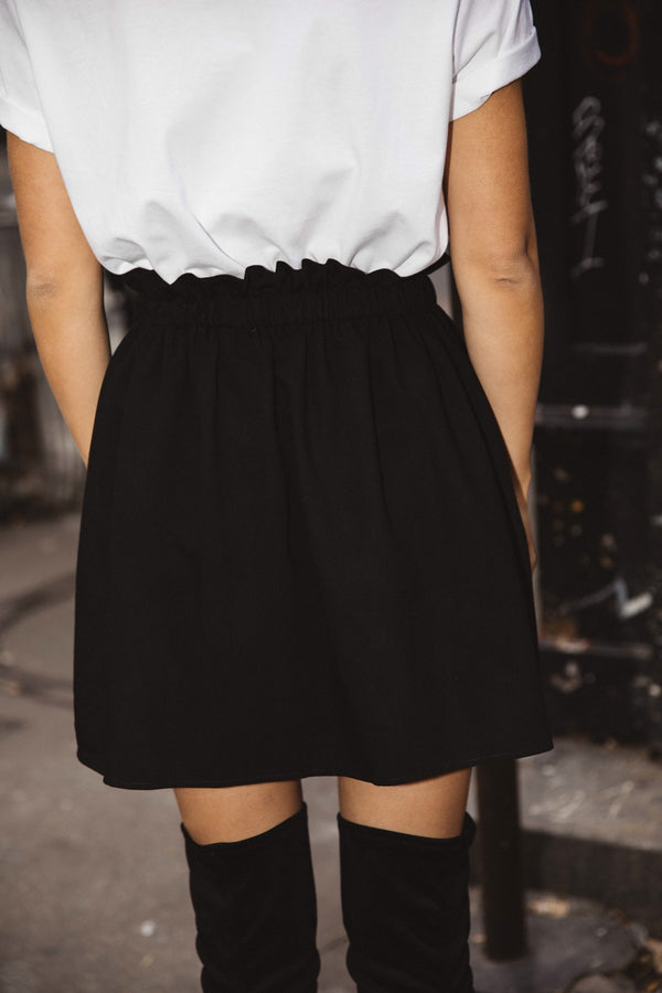pavla-black-skirt