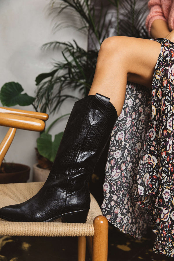 black-embossed-valeriane-boots-black-embossed