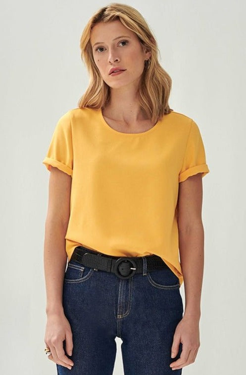 top-jaune-tee-shirt