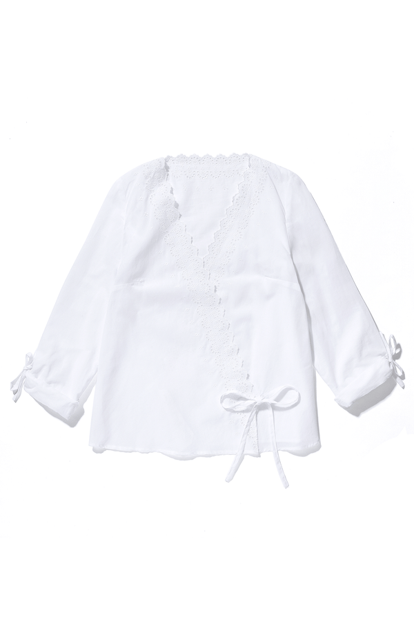 blouse-lila-blanche-en-broderie-anglaise