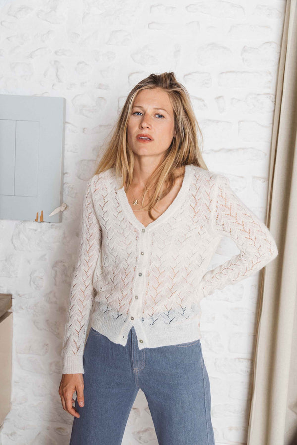 cardigan-femme-maille-ajouree-col-v-bouton-nacre-alpaga-mohair-sully