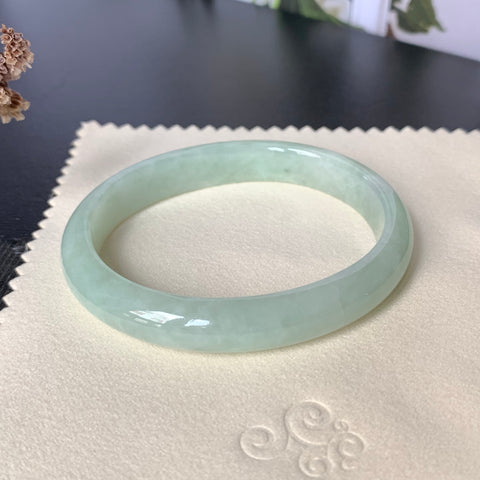 53.1mm A-Grade Green Jadeite Modern Oval Bangle No.151754