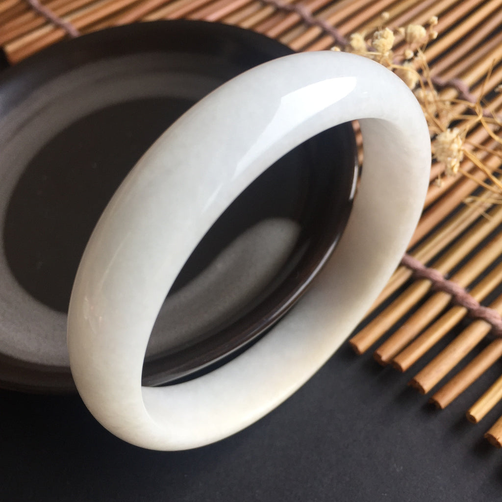 SOLD OUT: 53.8mm A-Grade Type A Jadeite Jade Modern Round Bangle No.151338