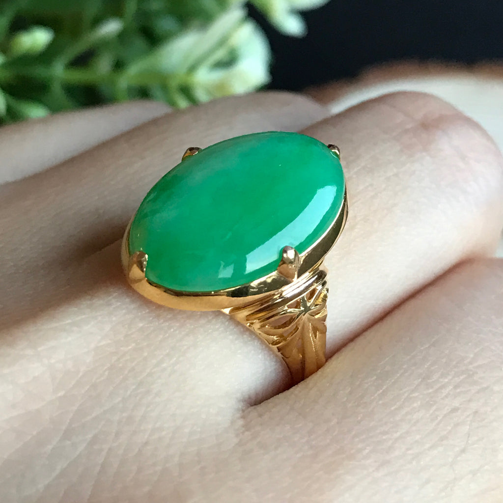 SOLD OUT: Vintage A-Grade Type A Natural Jadeite Jade Green Cabochon Ring (18k Yellow Gold) No.161237