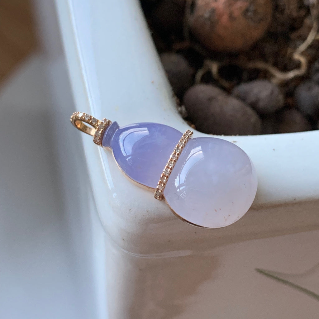 SOLD OUT: A-Grade Natural Ombre Lavender Jadeite Calabash Pendant (18k rose gold and diamonds) No.170646