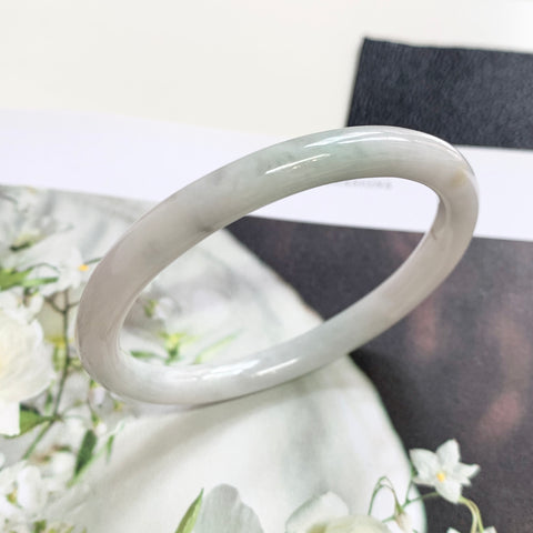 52.2mm A-Grade Jadeite White Green Oval Bangle No.151764