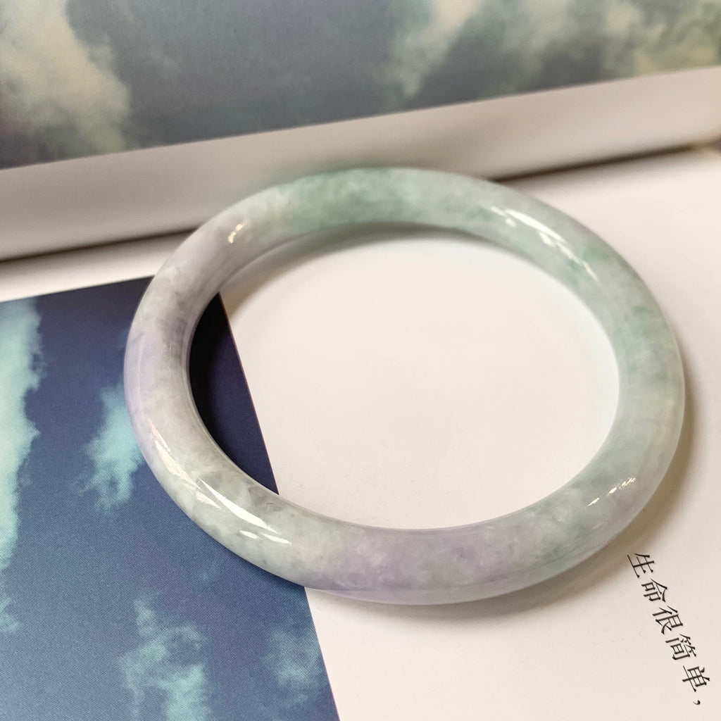 SOLD OUT: 52.3mm A-Grade Jadeite Traditional Round Bangle No.151700