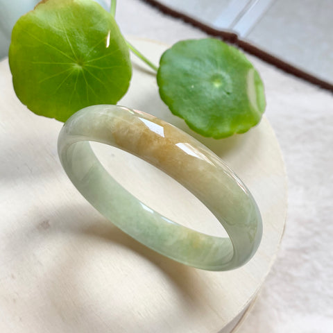 52.4mm A-Grade Natural Green With Yellow Jadeite Modern Round Bangle No.151736
