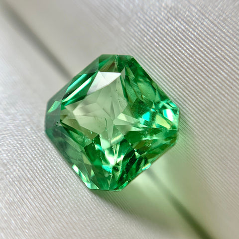 1.55ct Emerald Natural Tsavorite Garnet No.12022