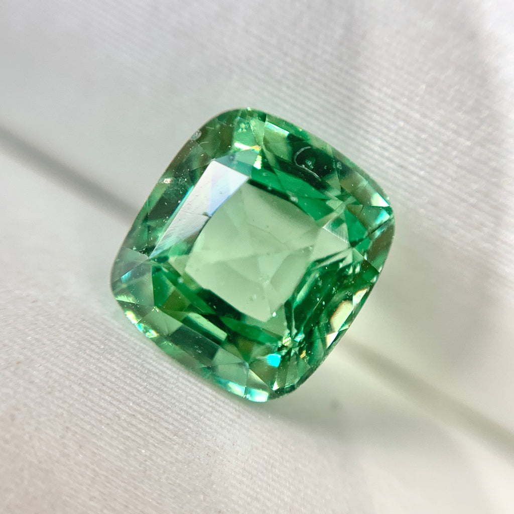 1.50ct Cushion Natural Green Tsavorite No.12024