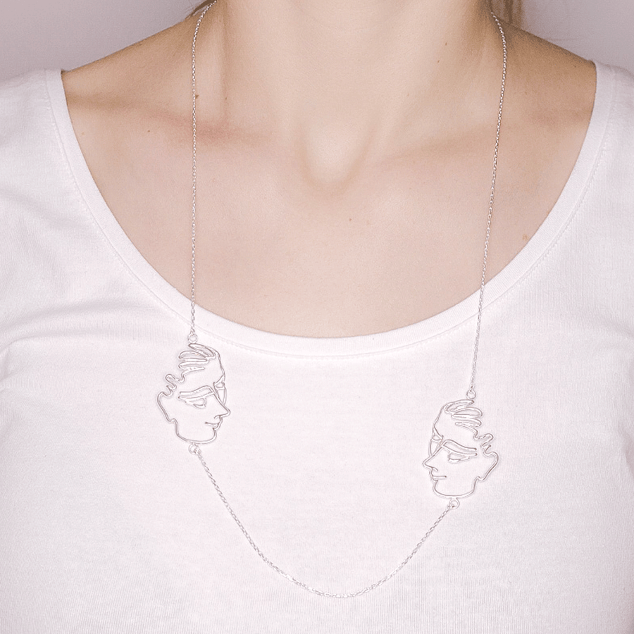 Collar Sleeping woman plata