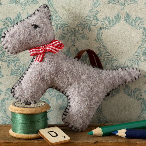Dog Felt Craft Mini Kit