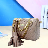 2020 new tide fashion handbags woven handbag chain tassel Shoulder Messenger Bag pillow pack one generation