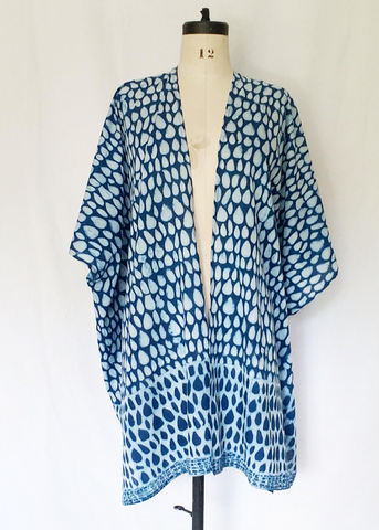 Playa Kimono Indigo and White, Butti print