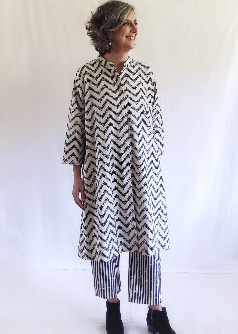 ISABELLA DRESS in Black Zig Zag