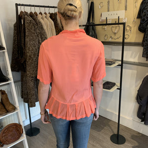 HW2 Coral Shirt Style Top With Deep Ruffle