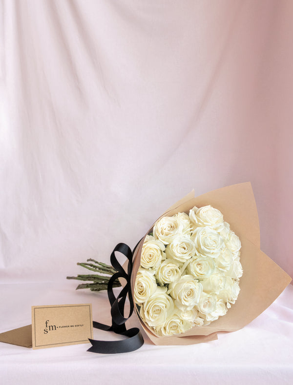 White roses delivery in Melbourne. Roses delivery in Melbourne by Flower me softly. Cheap roses Melbourne same day delivery.