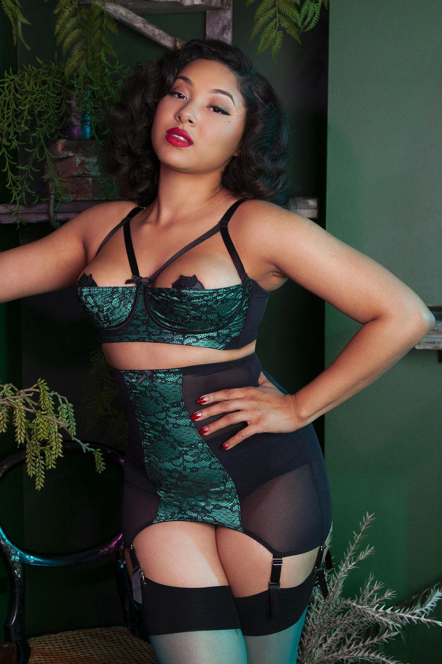 Retro Emerald Lace Quarter Cup Bra by Bettie Page (32B-36E)