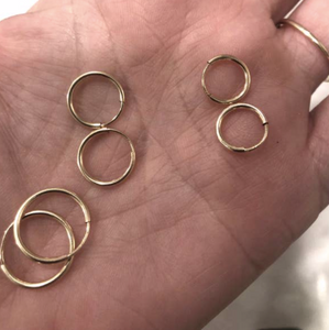 SMALL ENDLESS HOOPS