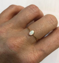 Load image into Gallery viewer, OPAL OVAL RING