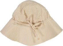 Indlæs billede til gallerivisning Baby Girl Sun Hat - Little moon