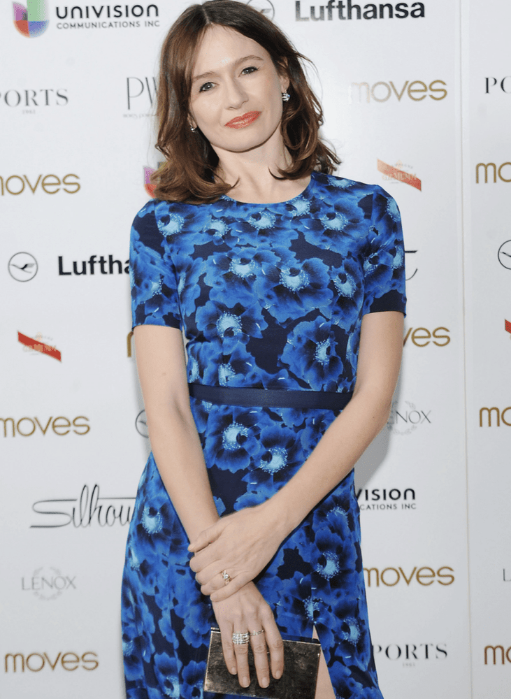 Emily Mortimer As Seen Wearing Platinum Signature Diamond Snowflake Dangling Earrings - Alexandra Mor online