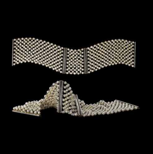 Load image into Gallery viewer, A Pair of Cuffs Pearl Mesh & Diamond